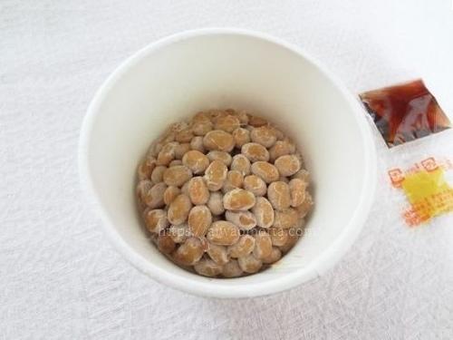 鎌倉山納豆のふたを開けた画像