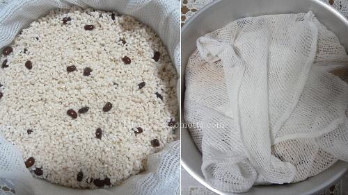 もち米をふかし布で包んだ画像