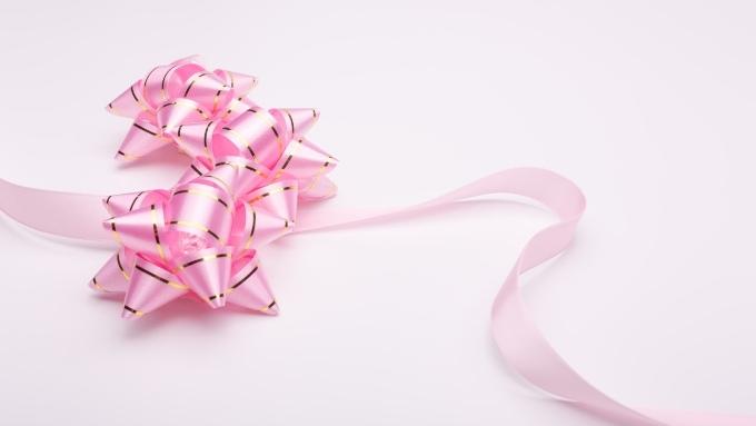 プレゼント包装用のリボンの画像