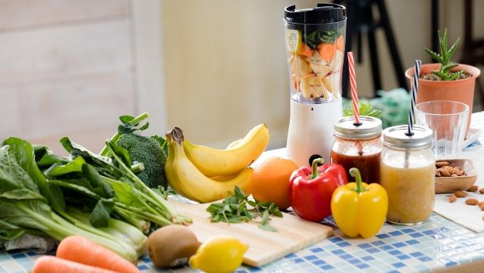 野菜、果物、スムージー、シェイカーの画像